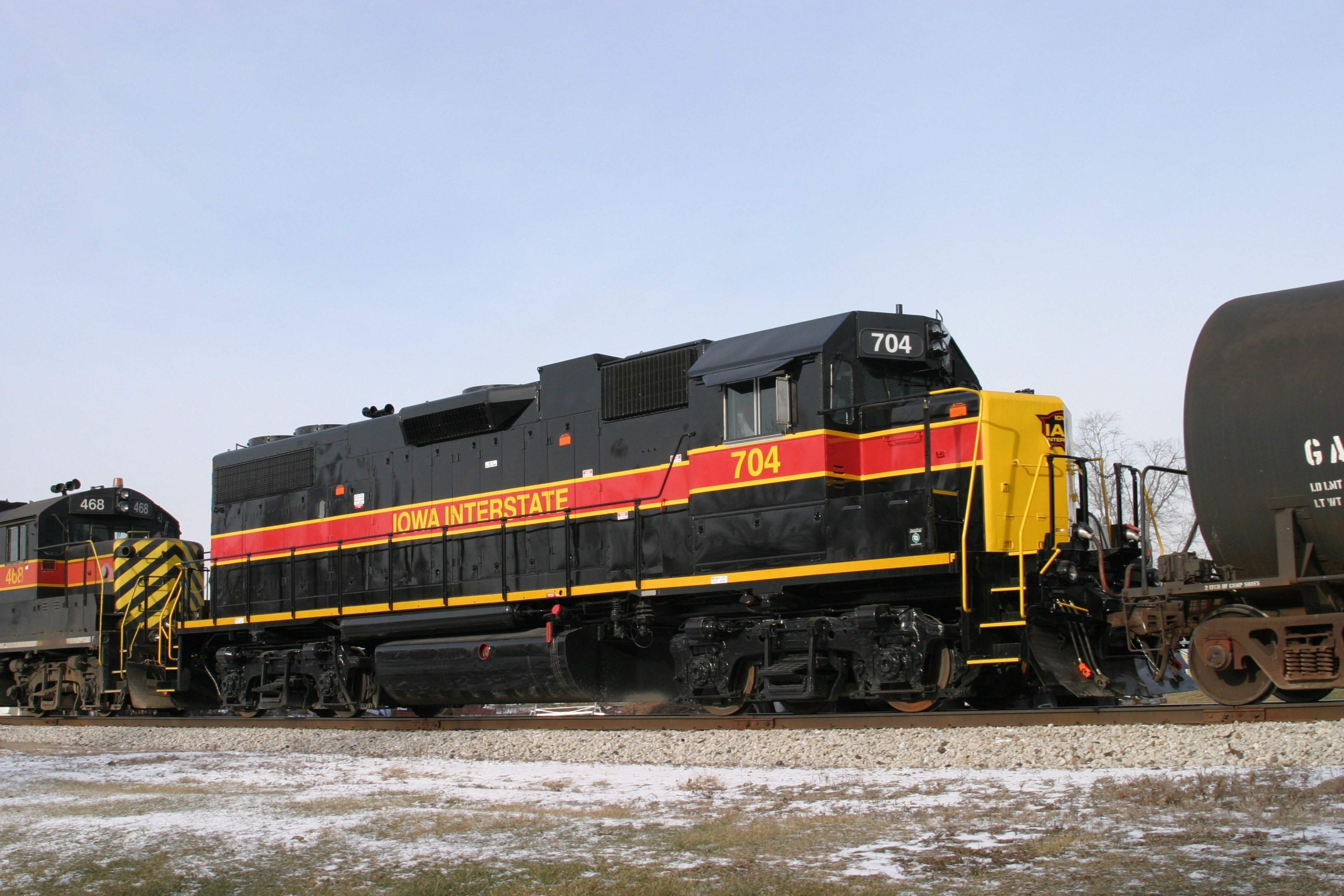 IAIS 704 at Atalissa, IA on 27-Dec-2004