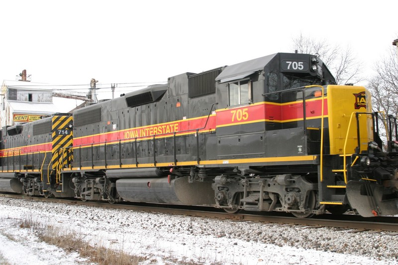 IAIS 705 at Atalissa, IA on 27-Dec-2004