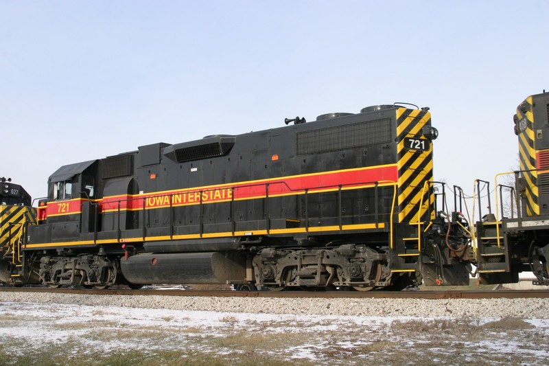 IAIS 721 at Atalissa, IA on 27-Dec-2004