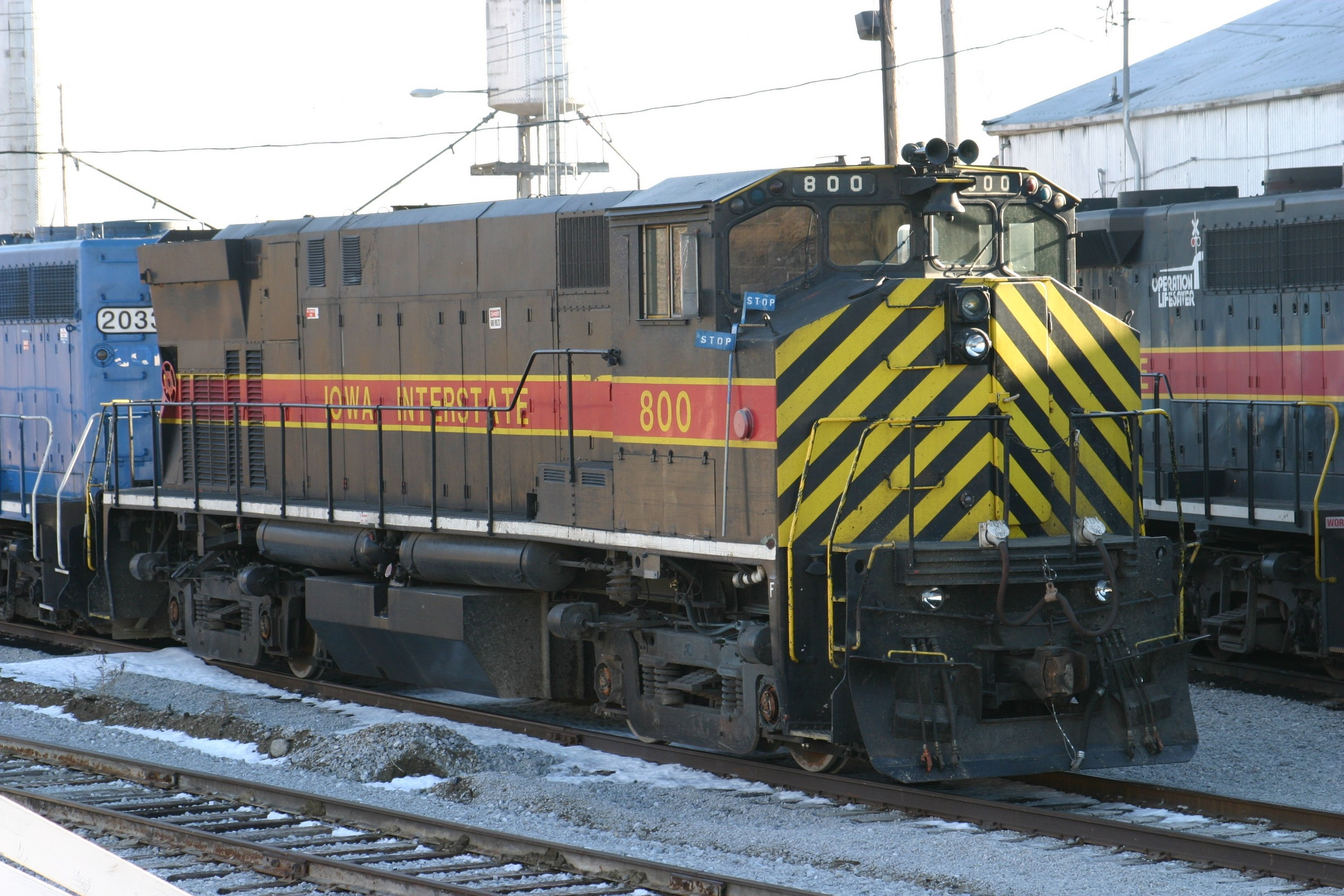 IAIS 800 at Council Bluffs, IA on 20-Dec-2003