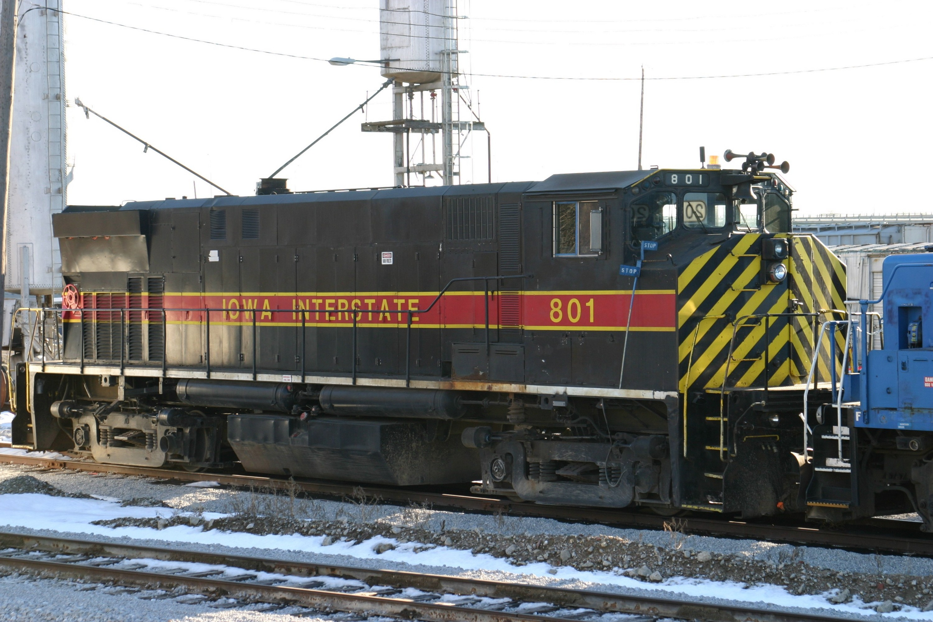 IAIS 801 at Council Bluffs, IA on 20-Dec-2003