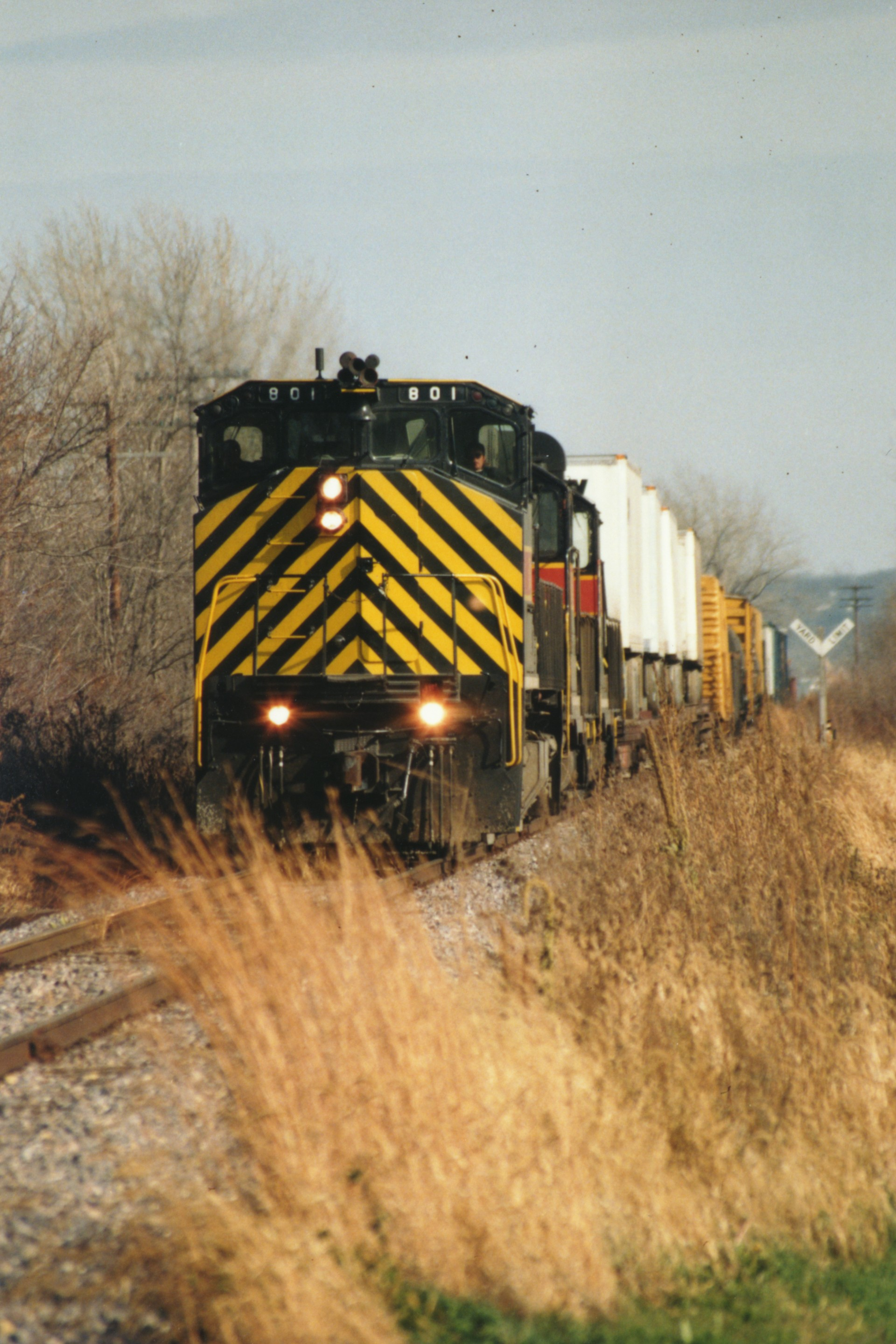 IAIS 801 at West Des Moines, IA on 17-Nov-1994