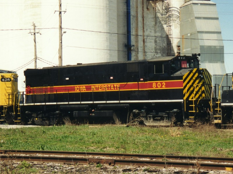 IAIS 802 at Altoona, IA on 22-Apr-1995