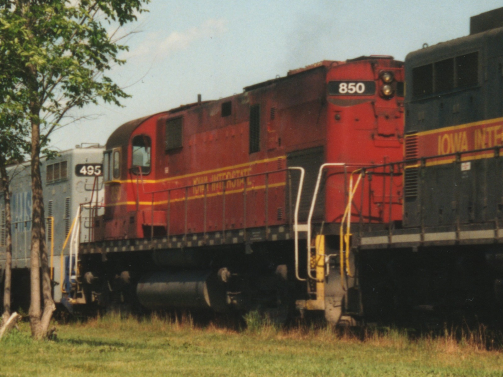 IAIS 850 at Altoona, IA on 11-Jun-1994