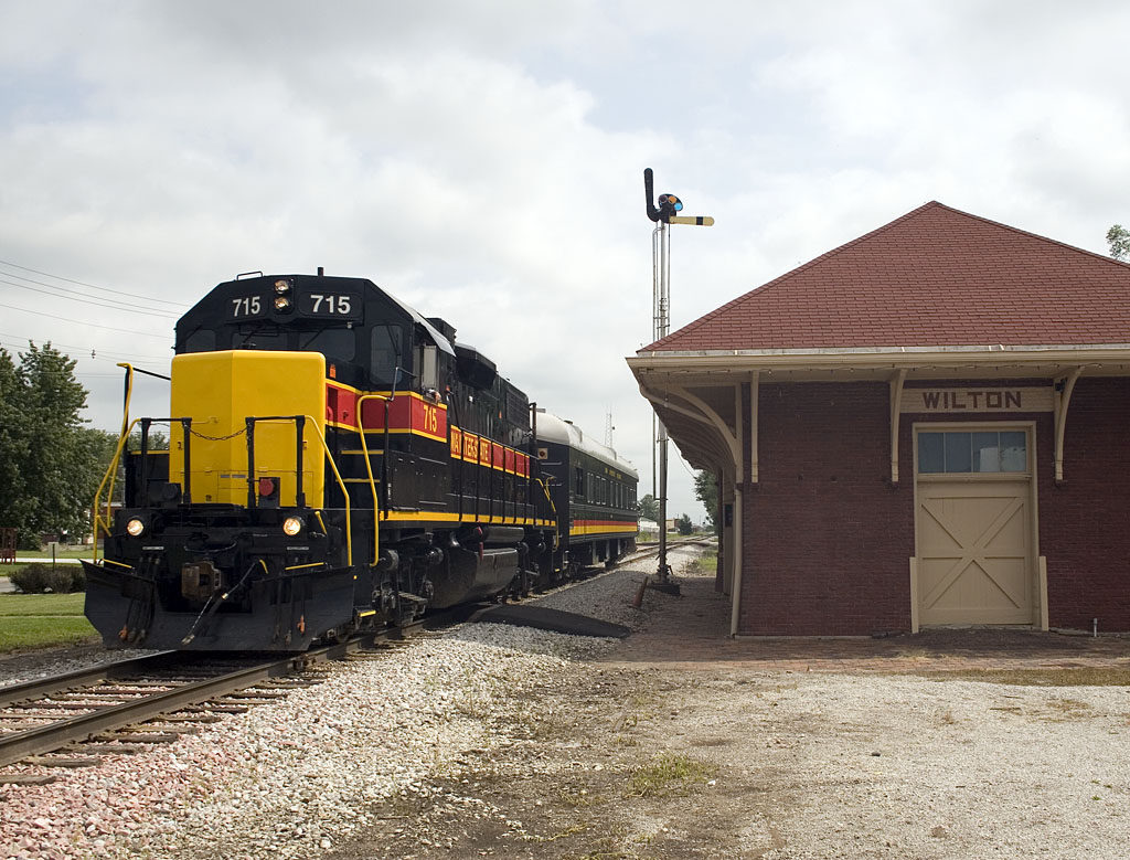 PBICB-21 passes the depot in Wilton, IA.  21-Aug-2007.
