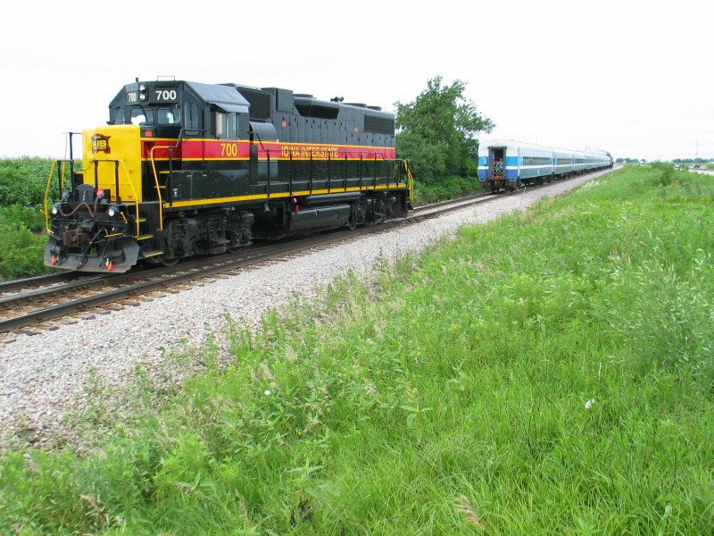 """Doing the """"Wausau shuffle"""" on the second trip.  700 is backing out of the Wausau spur to tie onto the rear of the train."""