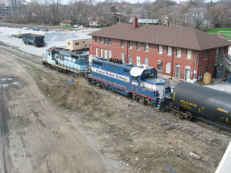 CRL's geeps shoving past the old RI Chicago Terminal Div. headquarters.