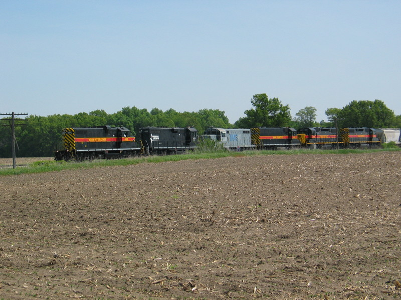 The crew has stopped at the west end of N. Star siding to open the switch, May 21, 2007.