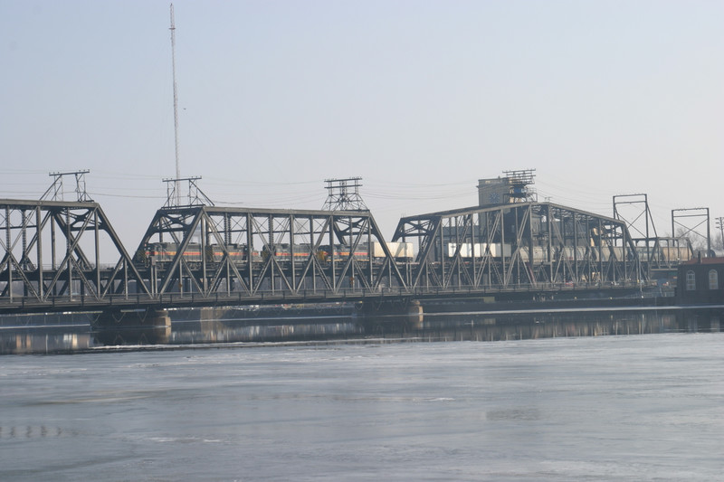 The easternmost part of the main bridge over the Mississippi, showing the swing span over the locks