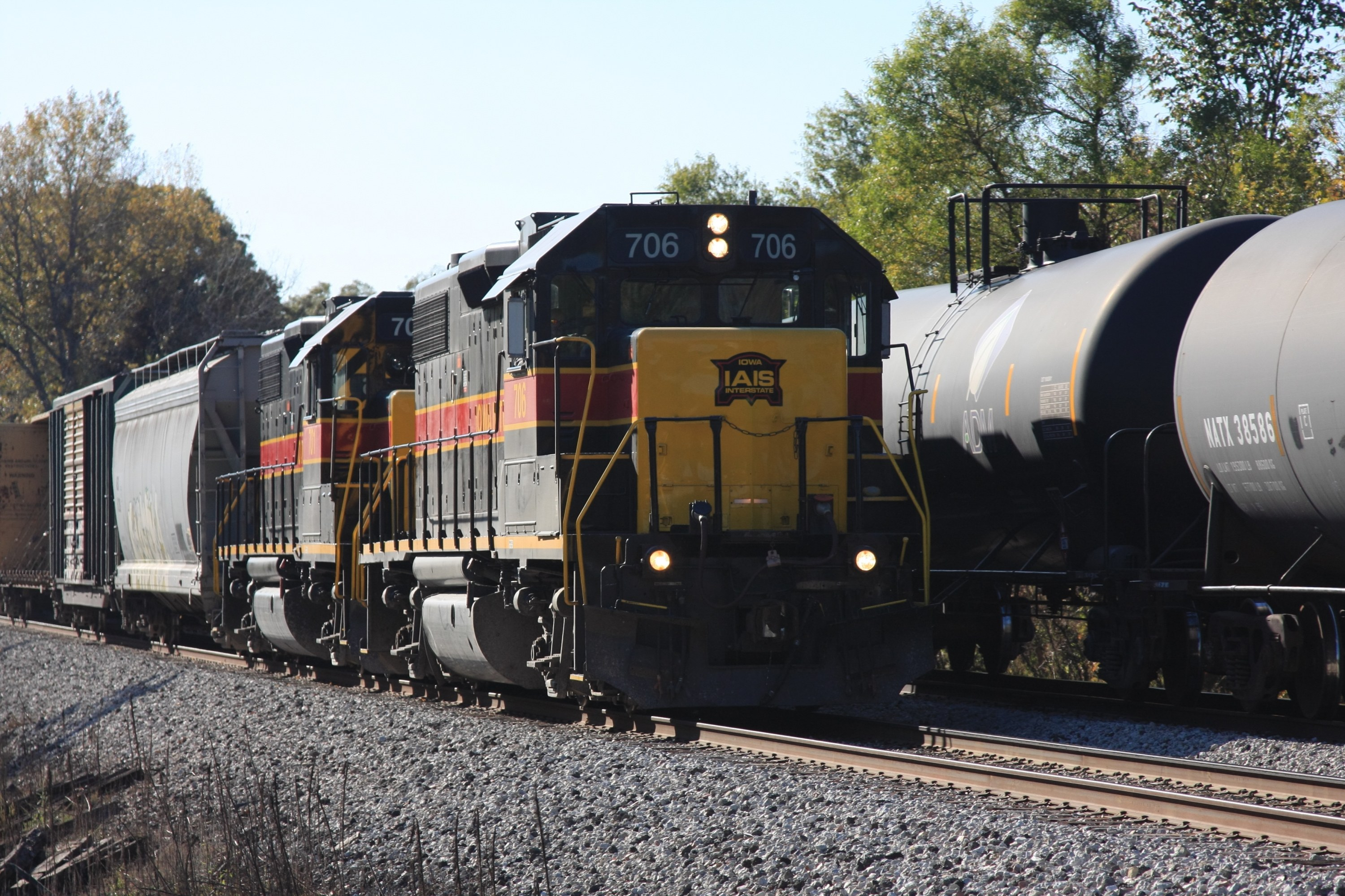 CBBI picked up the 701 off the work train and met the turn at North Star