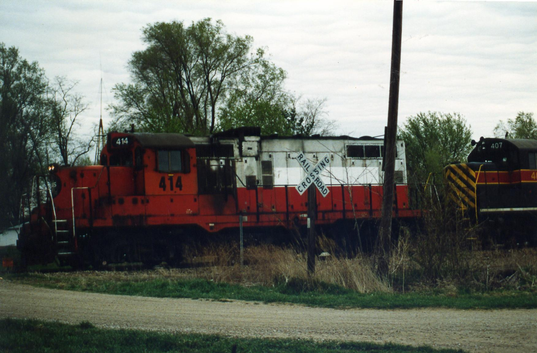 The power was parked by the east crossing in Moscow, mp211.  Consist was 414/407/466/473.