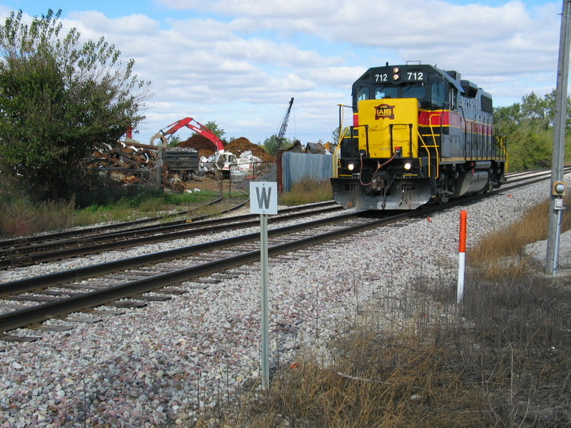DM local passing Gralnek's in Newton, returning to Des Moines, Oct. 10, 2007.
