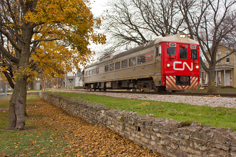 CN 1501 @ Gaines St; Davenport, IA.  November 20, 2015