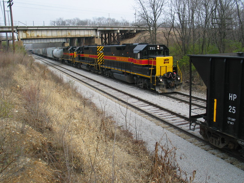 Peoria Rocket passing under the Santa Fe overpass in Chillicothe, Nov. 17, 2006.