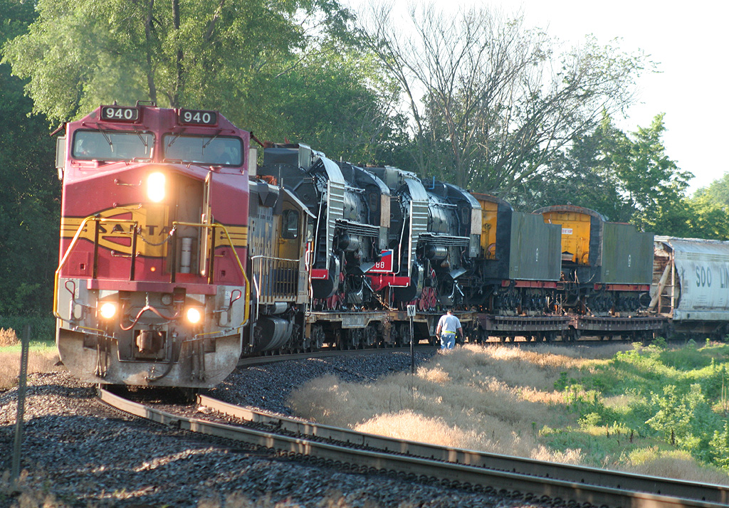 BNSF's M-GALGAL arrives at Colona, IL and prepares to interchange the Chinese QJ's to the IAIS on 27-Jun-2006.