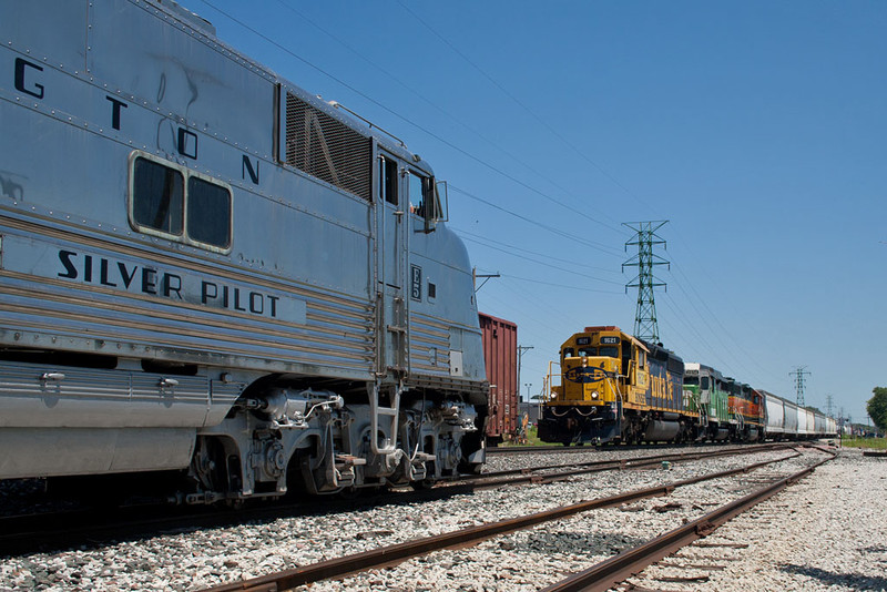 The Zephyr waits in the siding for BNSF's M-CLIGAL to come south at NSS Bettendorf, IA.