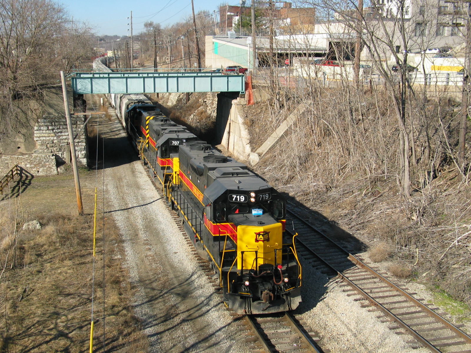 East train at Lasalle, next to the connection track going up the bluff to Lone Star's yard.  Feb. 14, 2006.