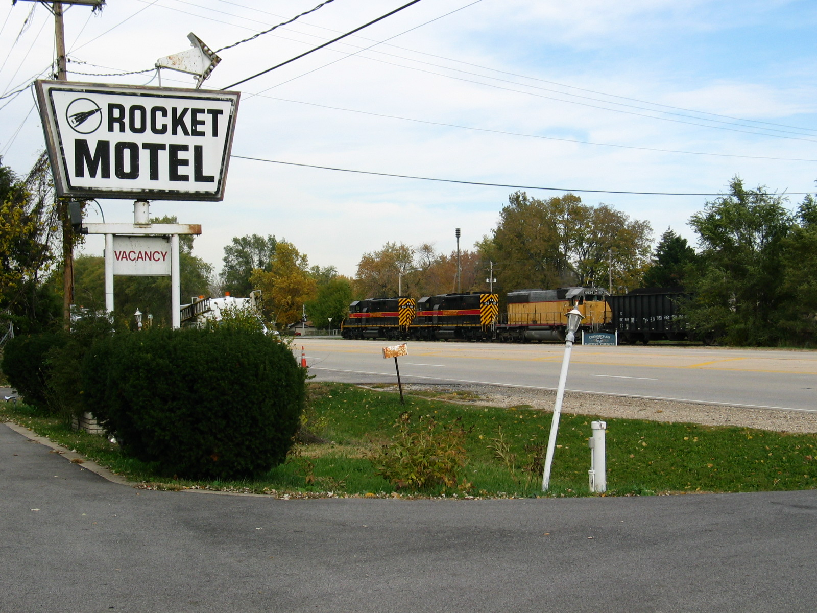 Rocketing past the Rocket Motel, Mossville, Nov. 3, 2005.