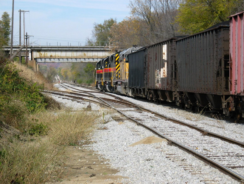 Looking north at the Santa Fe overpass, Chillicothe.  Also visible is the siding extension at Galena Sand and Gravel, and the bottom end of the old connection track.  Nov. 3, 2005.