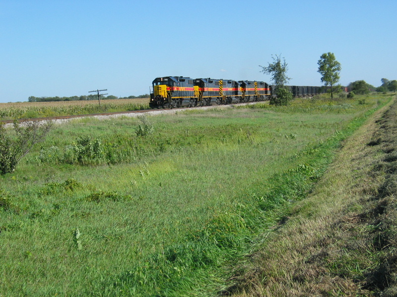 I've always admired this spot south of Putnam but have never shot a train here until this one, Sept. 11, 2007.