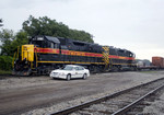 RISW-17 switches the west end of Rock Island yard while the Trainmaster waits on 17-Sept-2006.