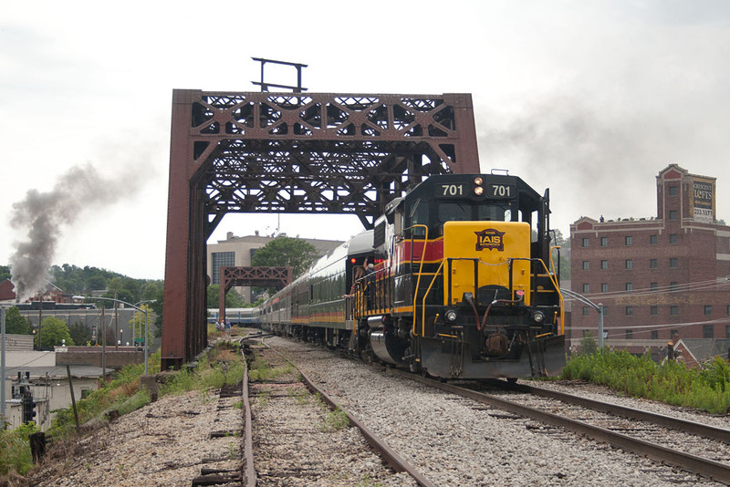 IAIS 701 with the rear of the 11am run to Walcott.  The building on the right played host to our rooftop views of Davenport.