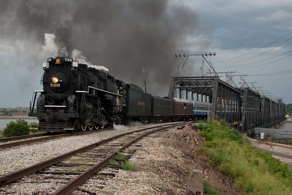 NKP 765 brings the 11am run to Walcott over the Government Bridge into Davenport.