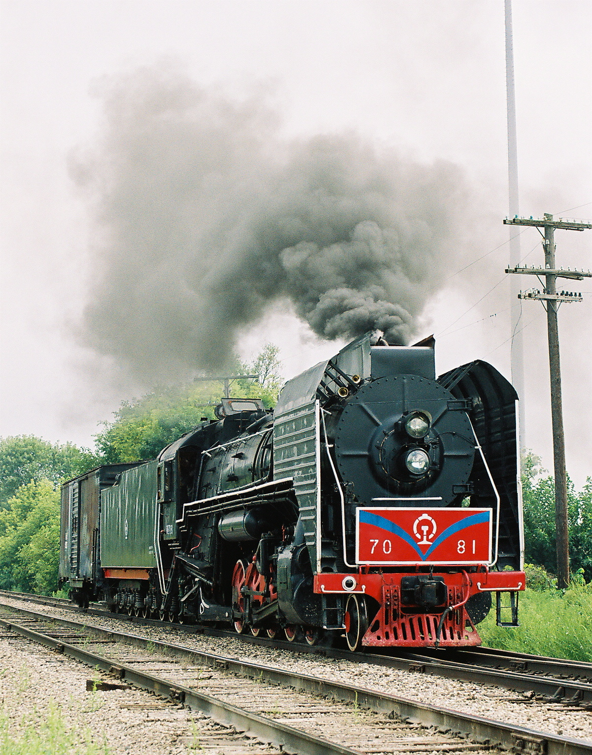 7081 undergoes initial testing on the wye track on the east side of Iowa City in early September 2006.