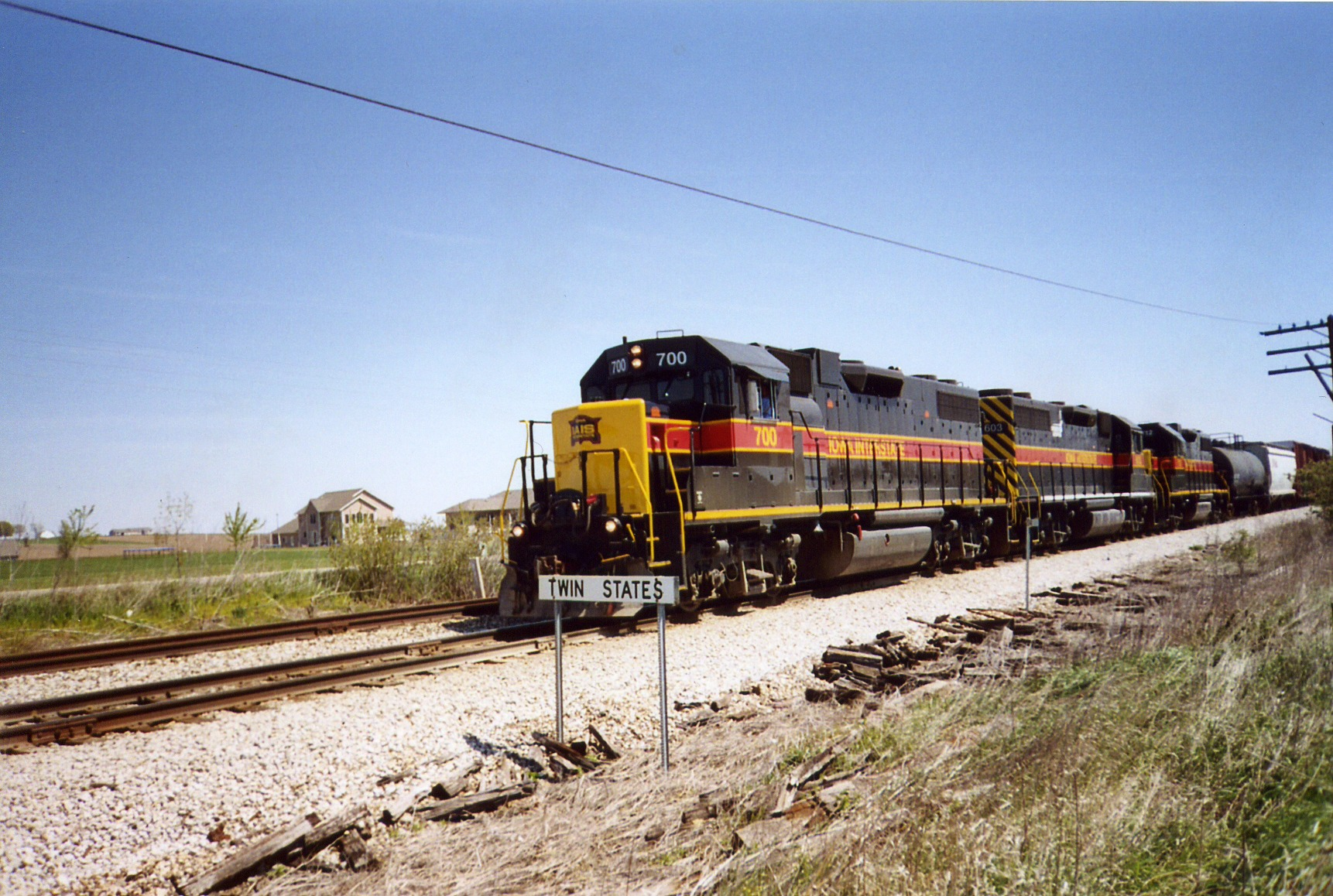 Westbound BICB passes Twin States, May 2005