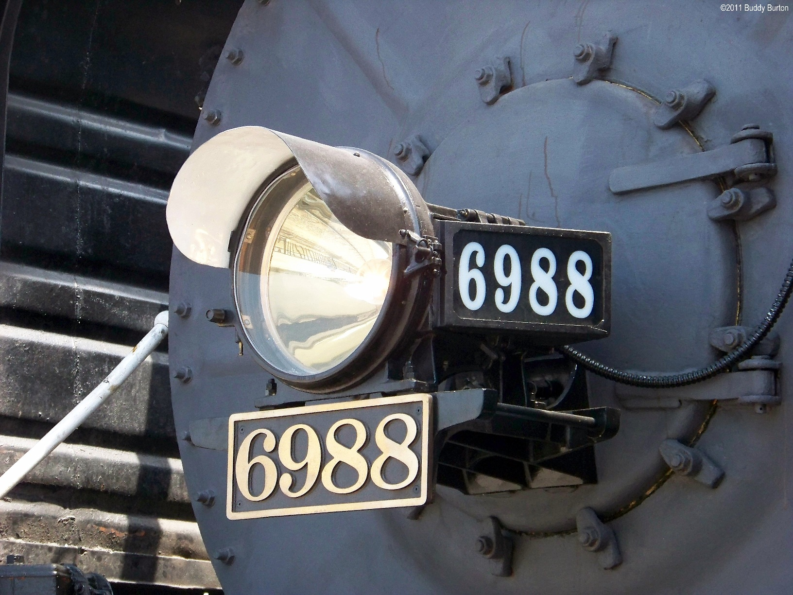 6988 light and numbers