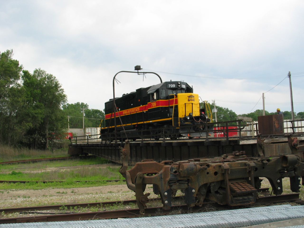 709 takes a spin on the Bluffs turntable, June 20, 2006.