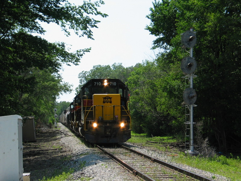 Eastbound at the old CTC east switch of Hillis siding, June 20, 2006.
