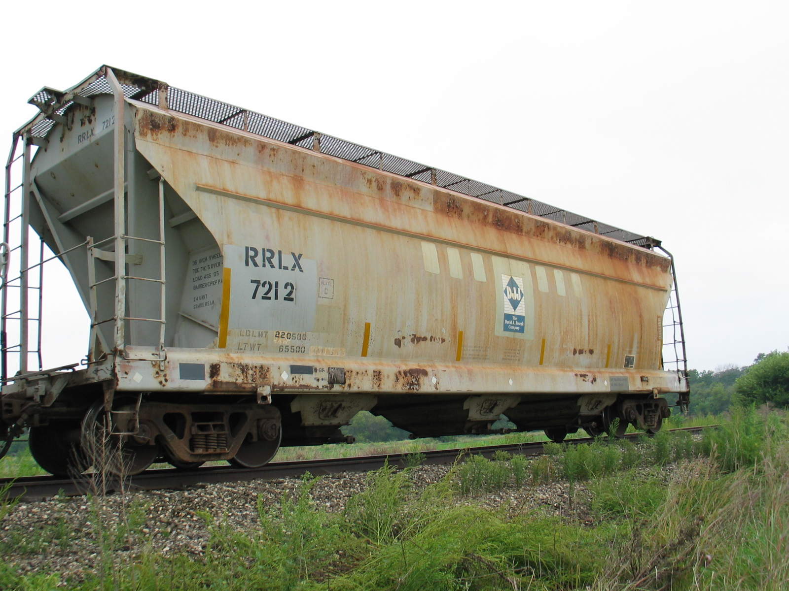 Cool potash hopper on Twin States siding, Sept. 10, 2006.