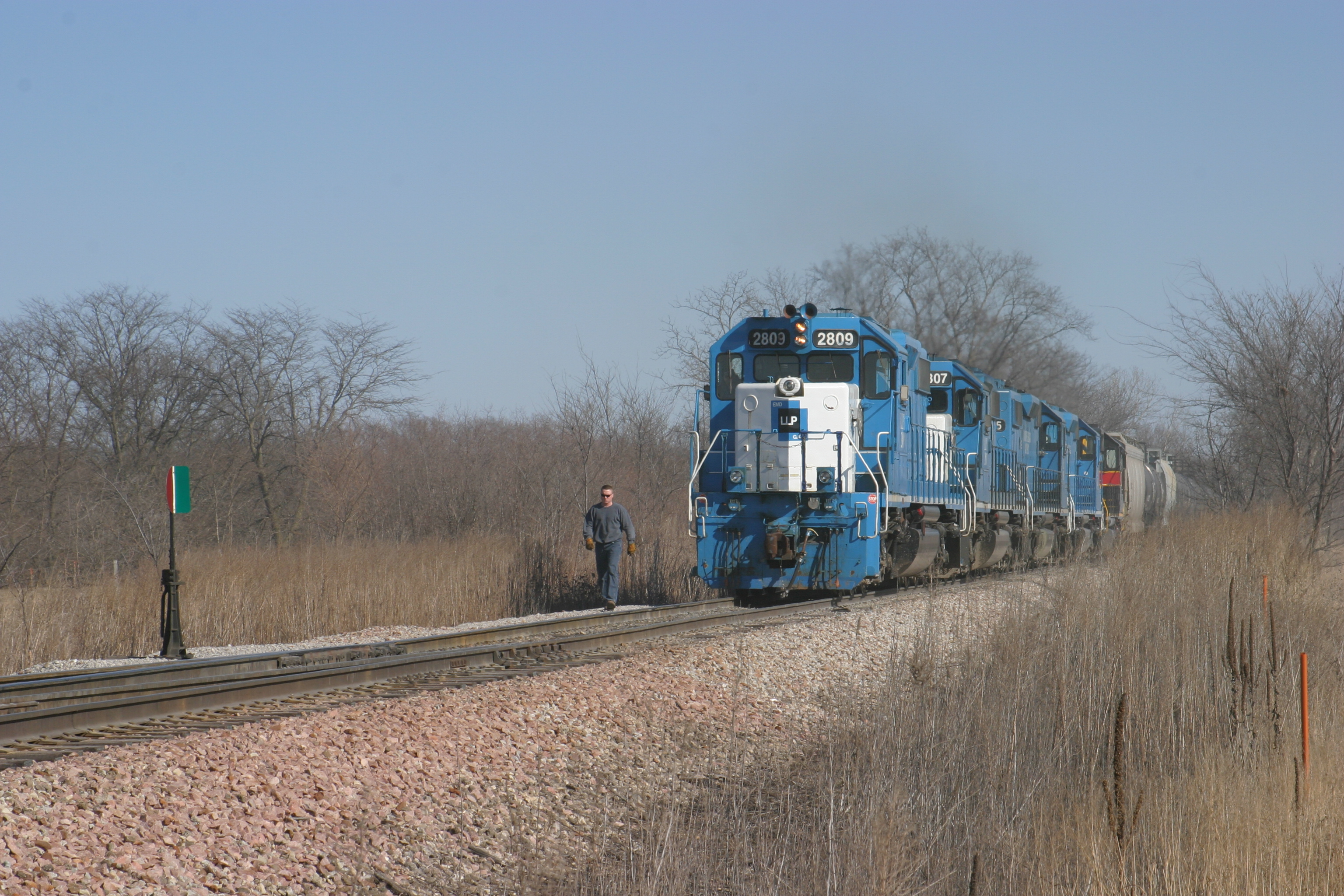 The west/northbound ICCR train gets ready to head up the east leg of the wye towards Cedar Rapids, IA, on 16-Mar-2005