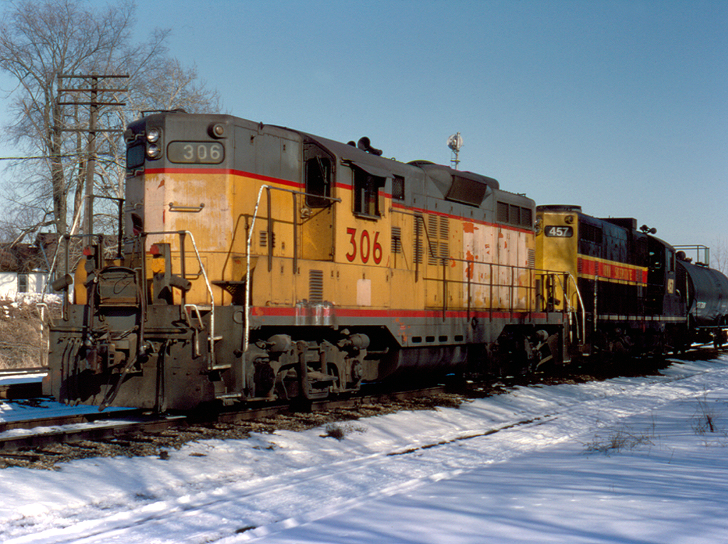 306 sits battered, but ready for more at Bureau, Illinois  February 28, 1993
