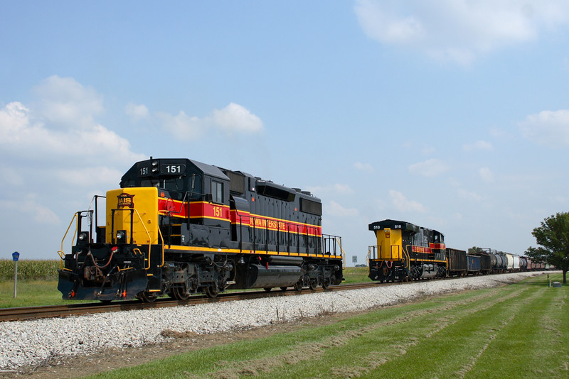 #151 pulls off the RIIC to be tucked in the siding at Twin States - Durant, Iowa September 21st, 2008.