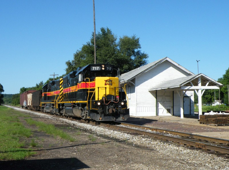 Iowa 717 and 720 hold down the Sub 2 main while they wait to meet an extra BIRI before heading East to the CSXT interchange at Utica.
