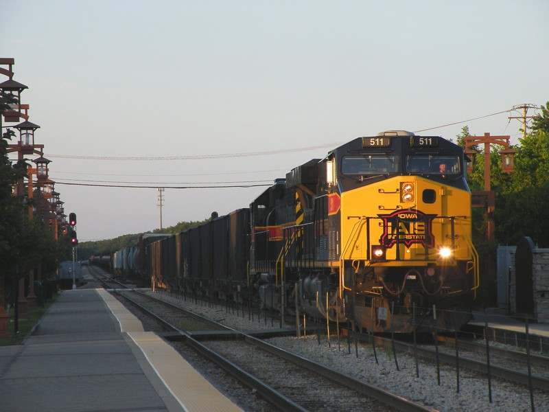 Iowa 511 and 711 double team a 108 car BICB through the long shadows in Tinley Park, unfortunetaly, they held this guy until Metra 523 cleared BI at 19:30... passing Tinley at 20:00. 06-24-10