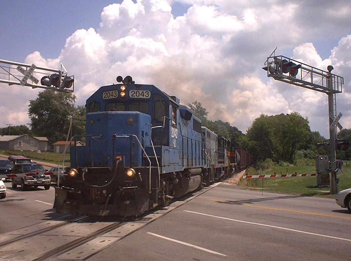 """2043 climbs the hill with """"BICB"""" at Davenport, Iowa  July 13, 2004"""