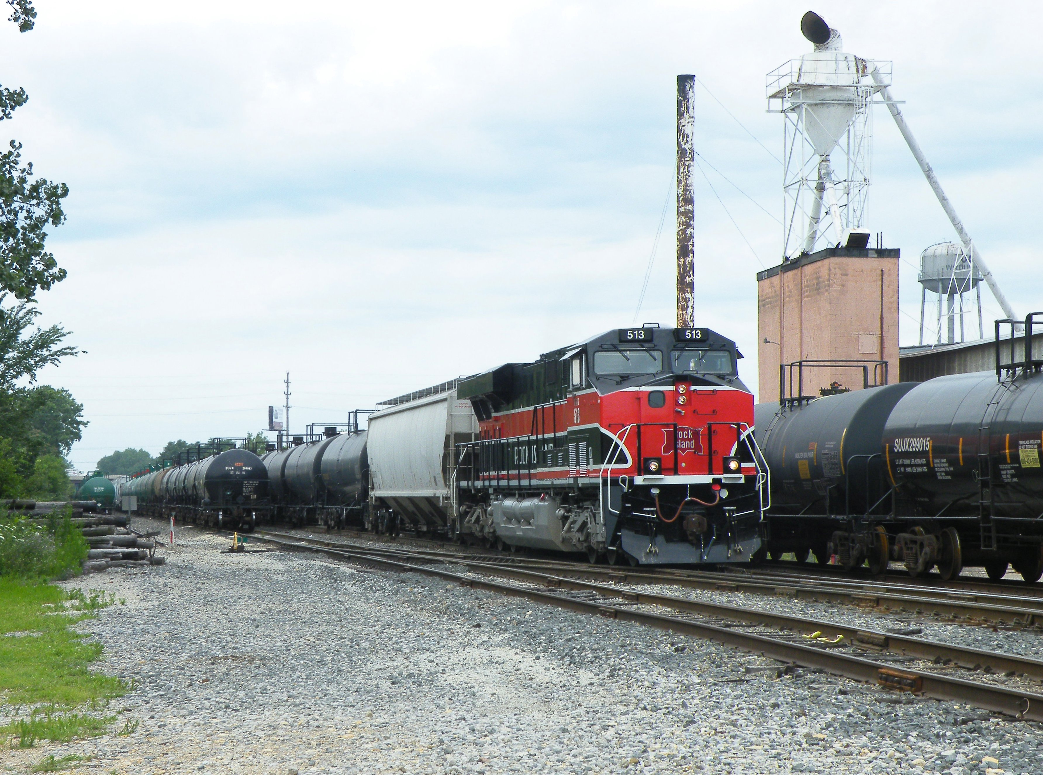 MEBIU rolls through downtown Rockdale with ethanol for the CSX. 07-15-10