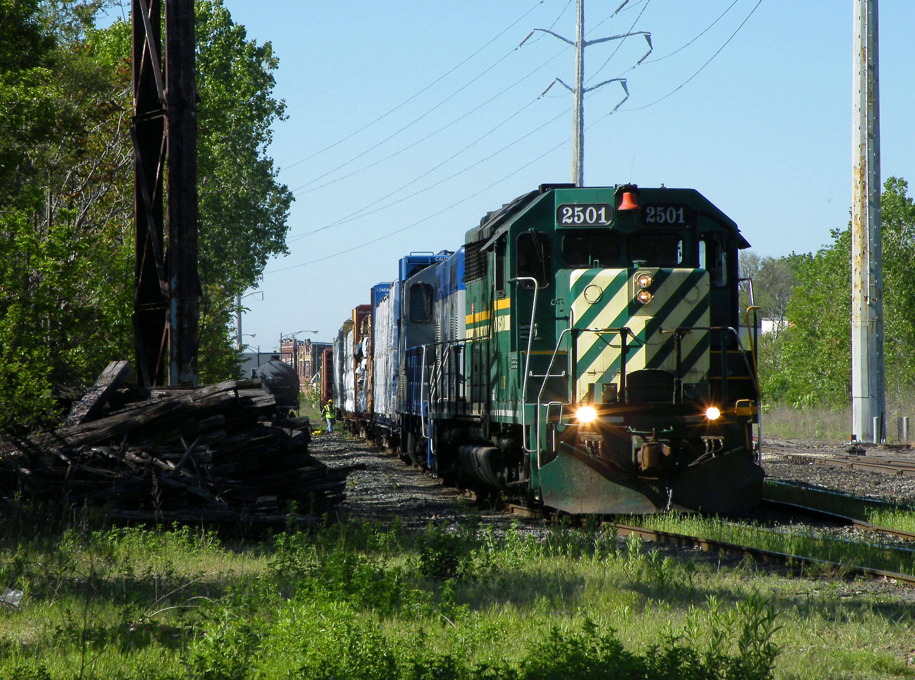 KFR GP35 2501, CRL's newest addition to their roster thanks to Omnitrax, builds their small train just south of their Irondale Yd on former joint C&NW/Rock Island trackage. 05-19-10