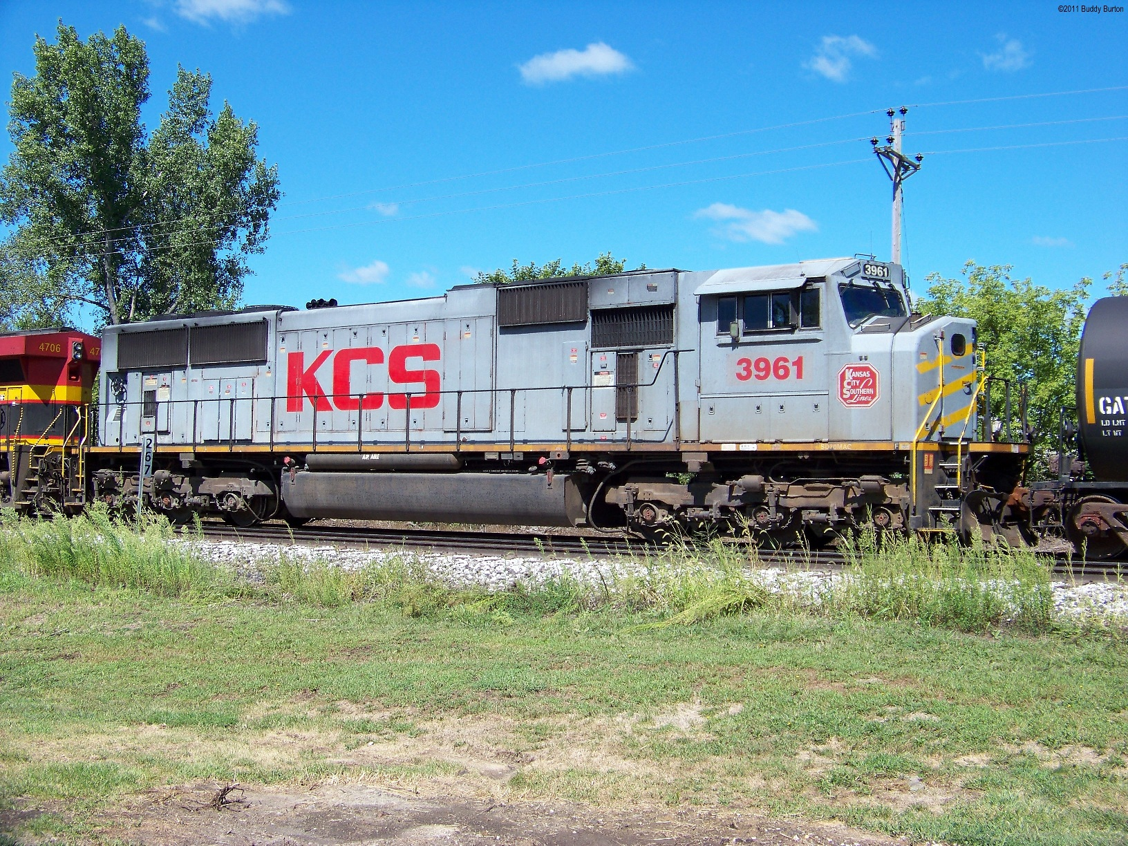 """A shot of the KCS(ex TFM) gray """"ghost"""" #3961."""