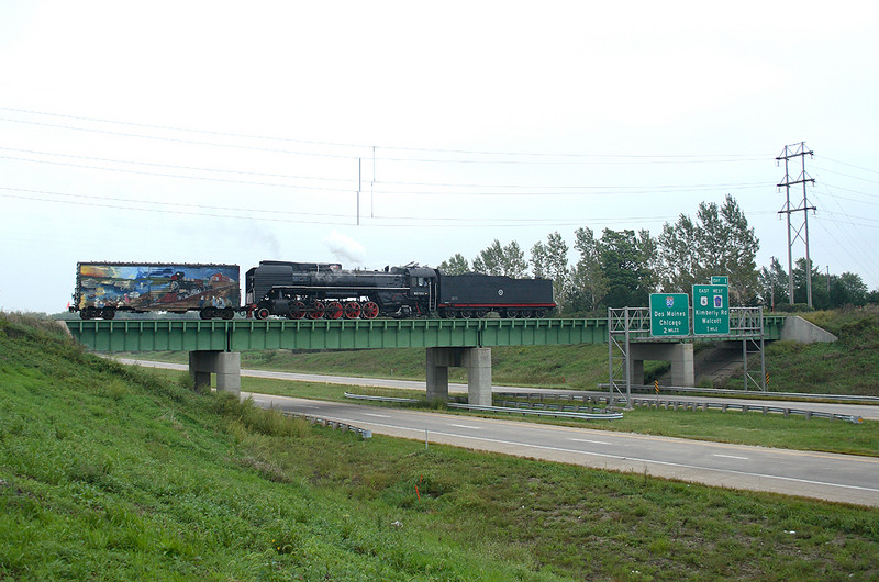 QJ 7081 East crosses Interstate 280 at Davenport, Iowa September 9th, 2006.
