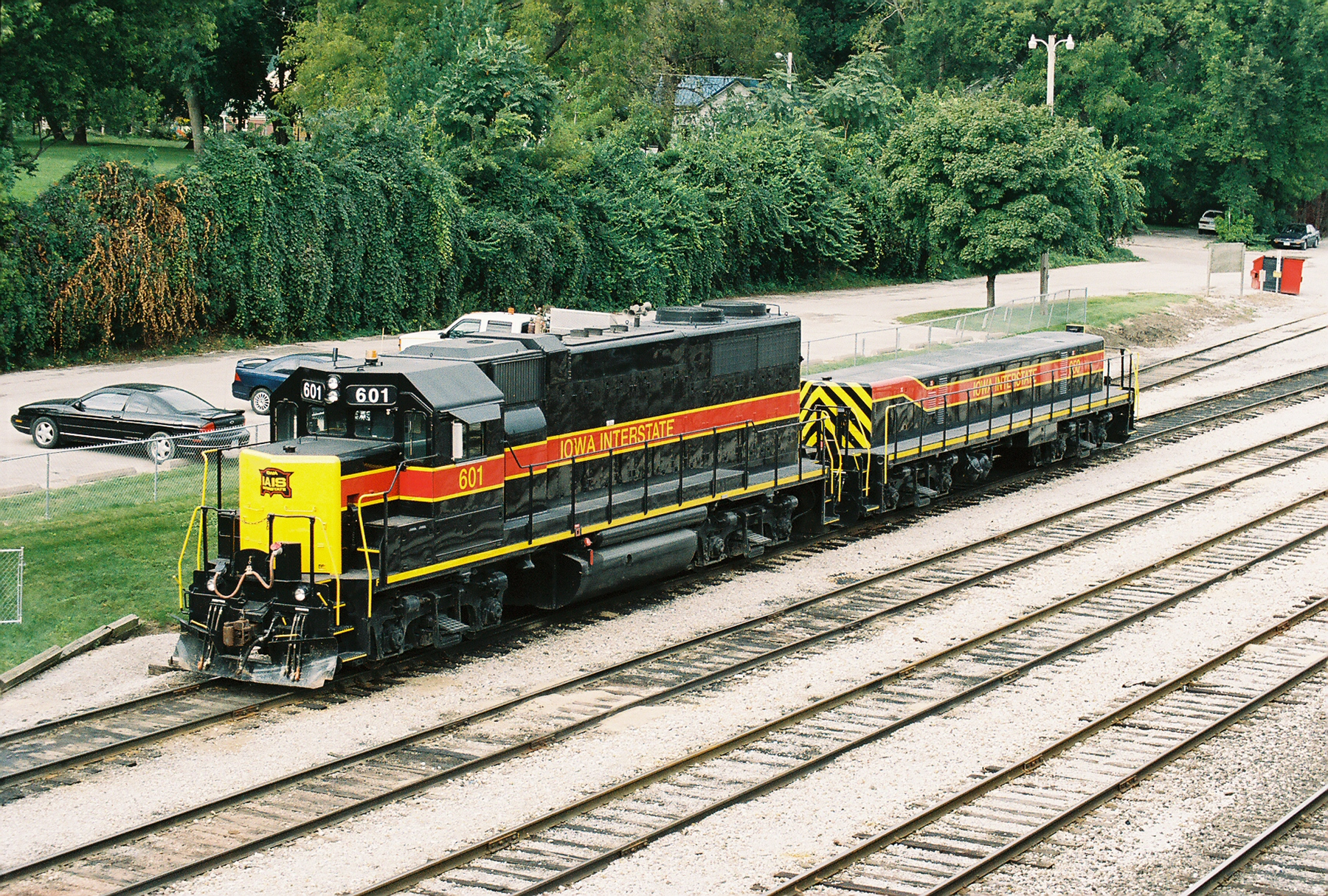 IAIS GP-38 601 with slug 650 resting in the Iowa City yard on 9-16-2007