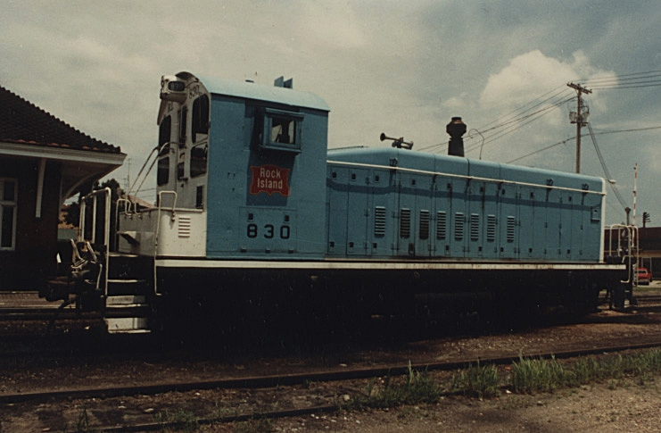 RI SW-8 830 rests in Iowa City on a car hunt mission.