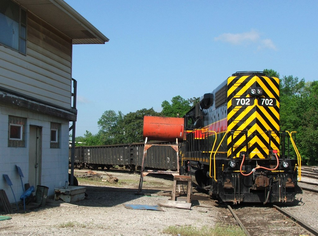 IAIS 702 sits tied down in Evans Yard next to the yard office waiting for the next BISW crew to go on duty. 05-31-08