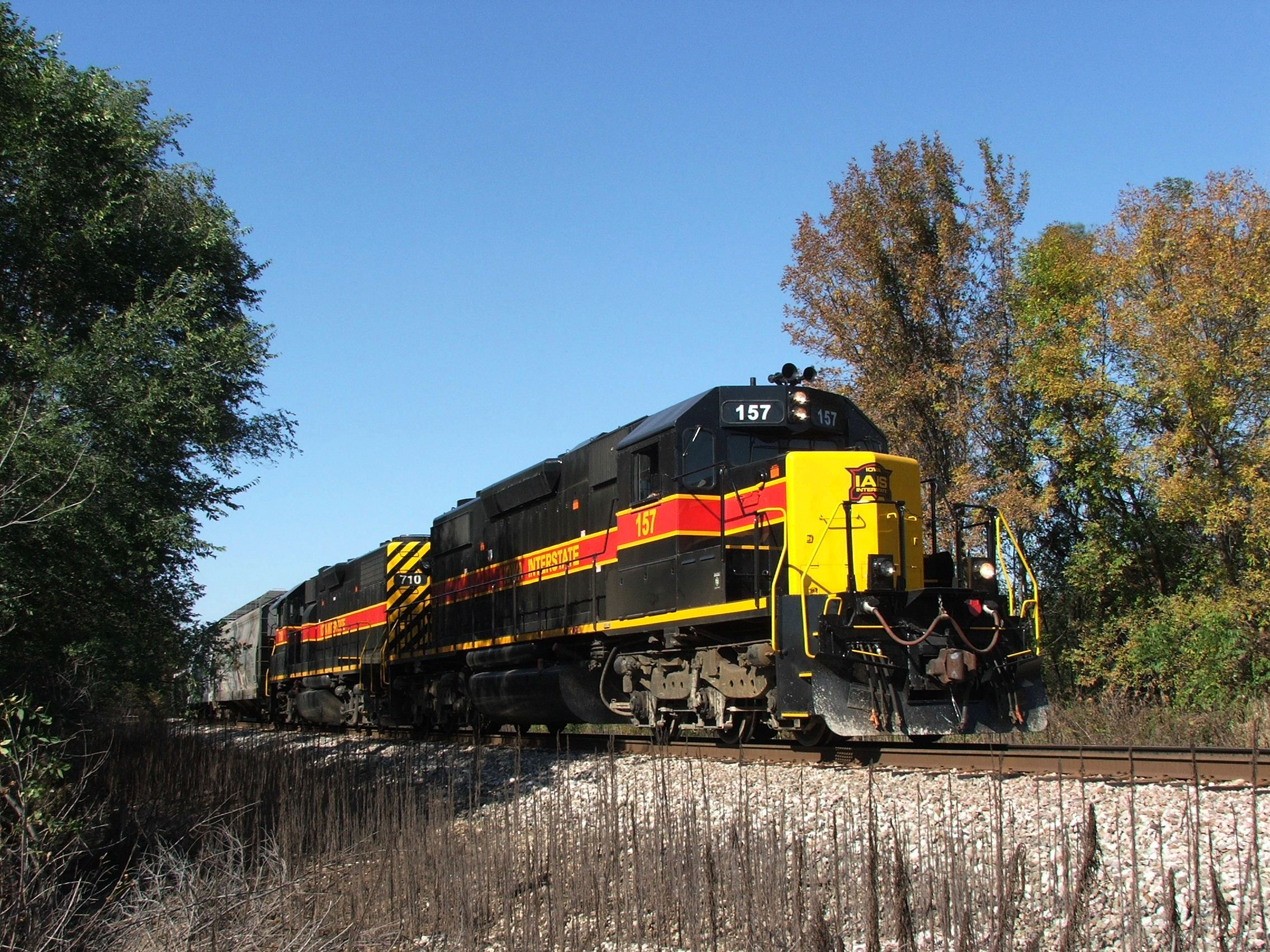 BUSW holds the main while waiting for BNSF clearance through Colona. This is where we ended our chase, unfortunetaly, the ICE was running their fall foliage special in Iowa and we had to get going!