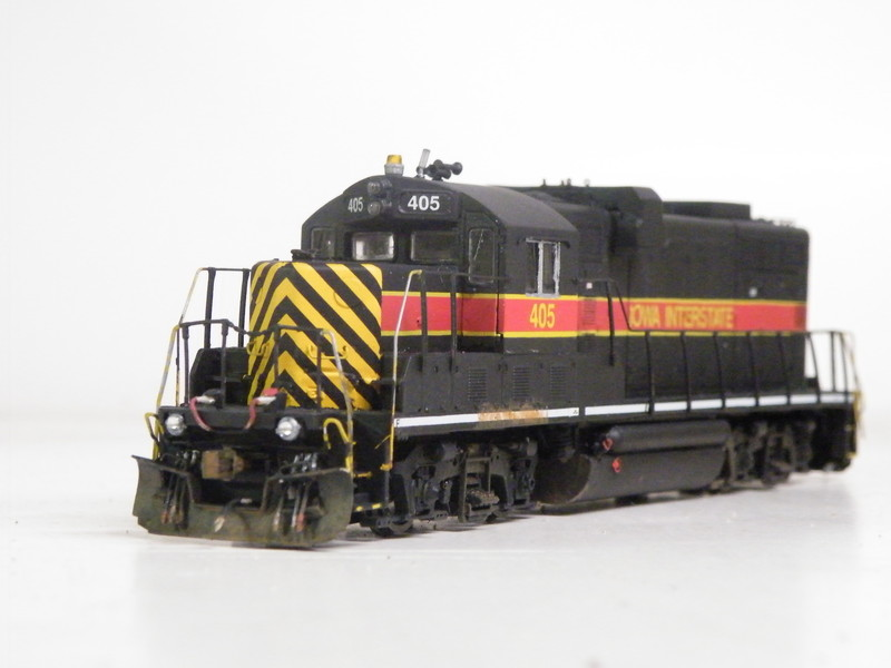 Good angle showing the newly constructed front, with anticlimber and ditchlights and C&P Burlington Shops nose and windshield.
