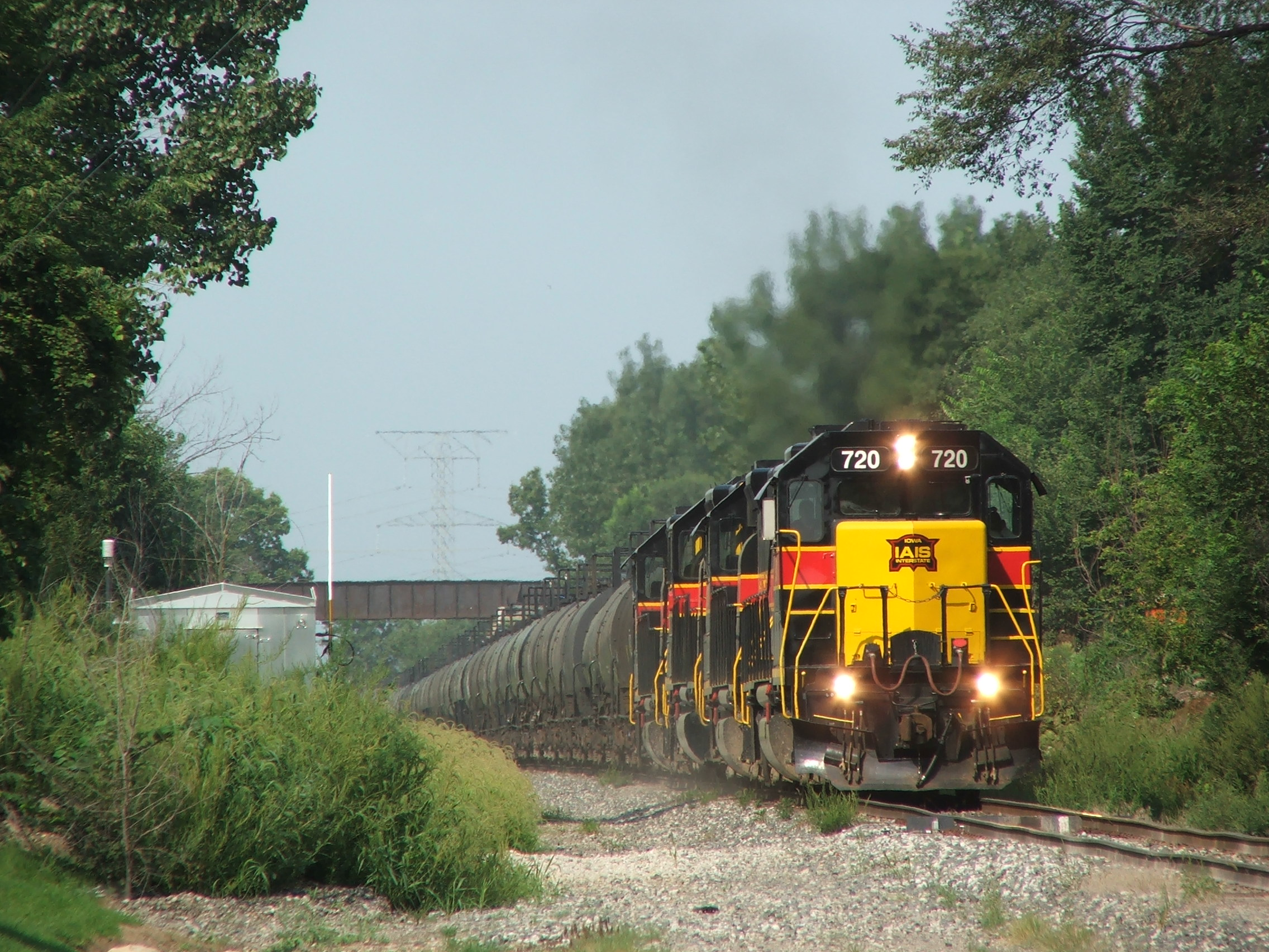 The ethanol train has reached Minooka as they duck under the EJ&E's Illinois River Line.