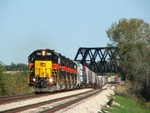 Iowa 704 leads a nice 5 GP38-2 consist on a hefty BICB under the Wabash and through New Lenox. For about 3 months in 2006, the westbound schedule changed drastically, allowing BICB to depart westbound around 14:00 every day! 10-01-06